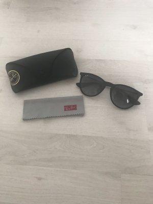 Neuwertige, schwarze Sonnenbrille von Ray Ban (Modell Erika)