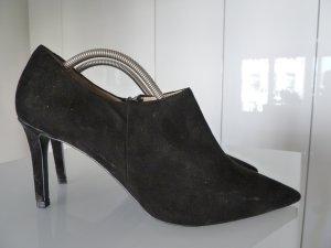 Neuwertige Schwarze Velourleder Ancles von Zara