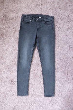 Neuwertige Skinny Stretch Jeans von H&M Größe 40