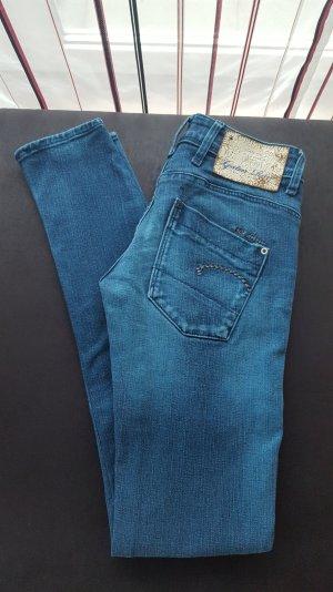 neuwertige Slim Jeans in Gr. 24 von G-Star