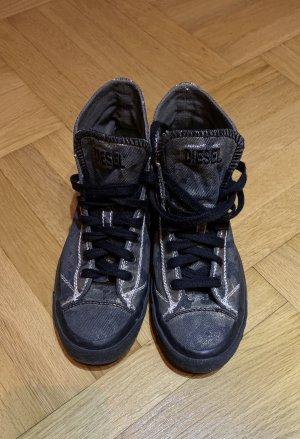 Neuwertige Sneaker von Diesel