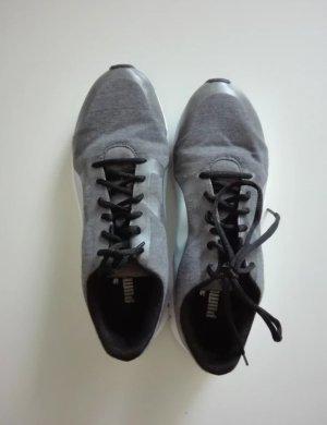 Neuwertige Sneaker von Puma Gr. 40
