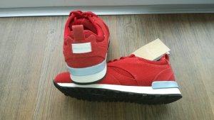 neuwertige Sneakers in rot Gr.37