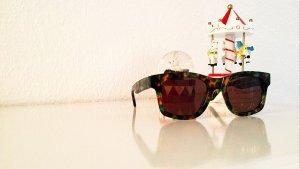 Neuwertige Sonnenbrille von OLIVER PEOPLES, NP 280€