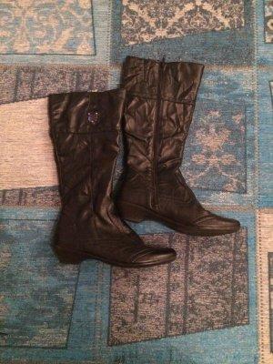 Neuwertige Stiefel aus schwarzem Kunstleder