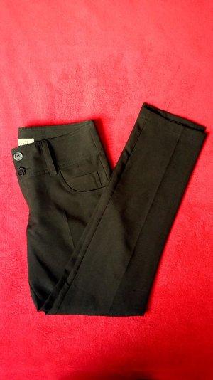 neuwertige Stoffhose, Anzughose, Hose mit Knöpfen in schwarz Gr. S / Clockhouse
