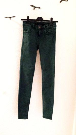 Neuwertige Stretch Jeans von Zara in Waldgrün, Gr. 34