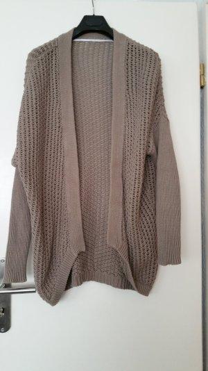 neuwertige strickjacke Zara