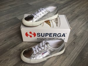Neuwertige Superga Sneaker Silber Weiß Schuhe