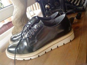 neuwertige Tamaris Schuhe schwarz Größe 40