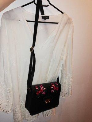 Neuwertige V- Ausschnitt Bluse mit Schultertasche