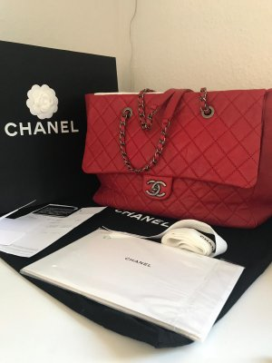 Neuwertiger Chanel Timeless Shopper rot Fullset