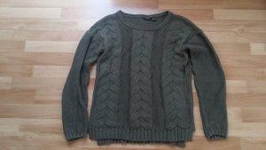 neuwertiger Pullover in grün/ oliv/ gestrickt, Gr. S 36/38
