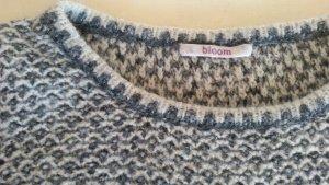 Neuwertiger Pullover vom BLOOM - Gr. 36 Kastenschnitt