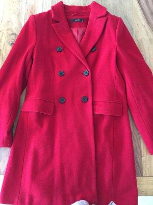 Neuwertiger roter Mantel von Hallhubet mit 60% Wollanteil