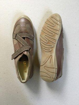 Neuwertiger Schuh der Marke Ricosta.