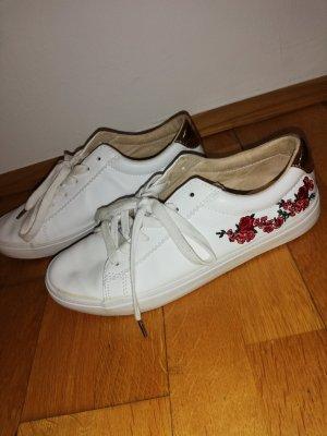 Neuwertiger Schuh mit Blumen Optik, Größe 39