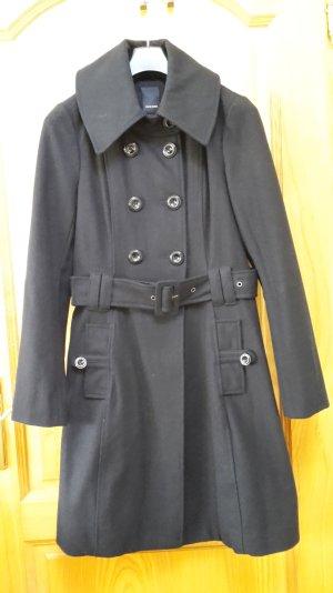 Neuwertiger schwarzer Mantel von VERO MODA, Gr. M