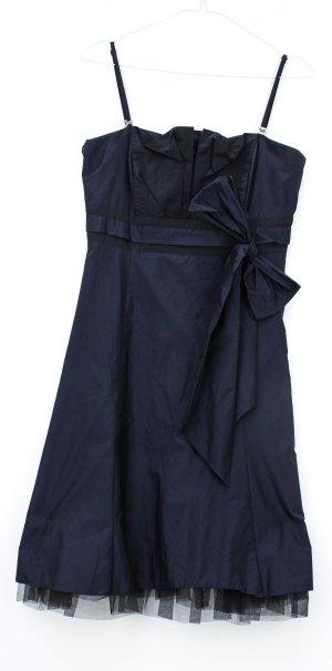 Neuwertiges Abendkleid von Vera Mont in Größe 34