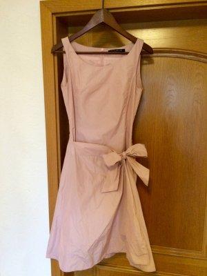 ***Neuwertiges Brautjungfern-Kleid***
