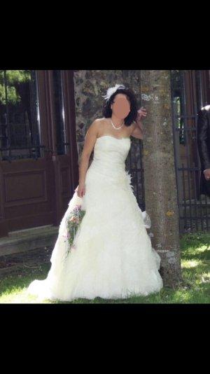** Neuwertiges Brautkleid **