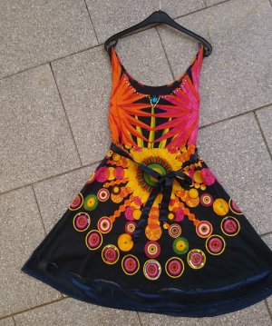 Neuwertiges Desigual Kleid Gr. XS