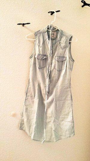 Neuwertiges Jeanskleid mit Druckknöpfen, hellblau, Gr. 36