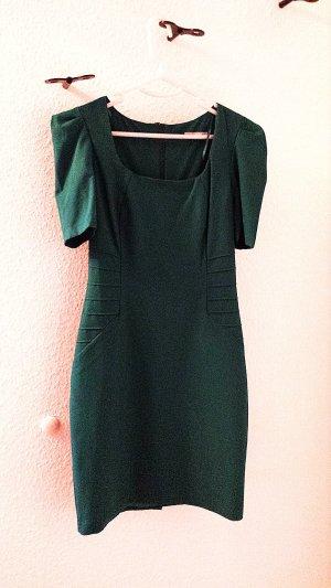 Neuwertiges Kleid in smaragtgrün Farbe, Gr.34