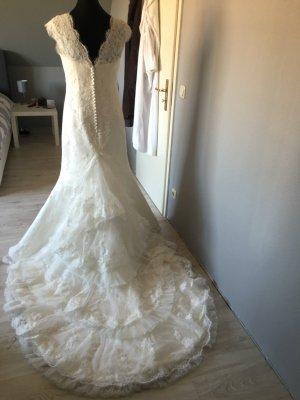 Neuwertiges Pronovias Brautkleid