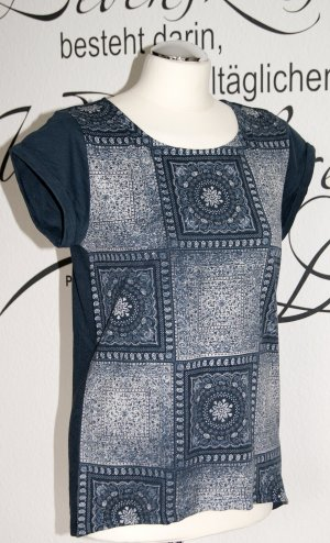 Neuwertiges T-Shirt mit süßem Muster