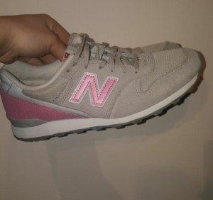 New Balance 996 Beige/ rosa