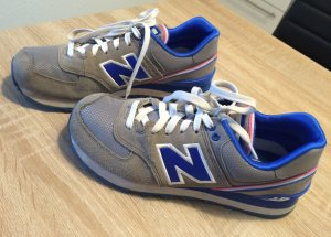 New Balance in grau/blau/rosa