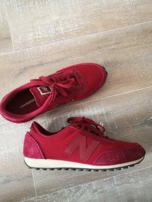 New Balance Magenta Sneaker
