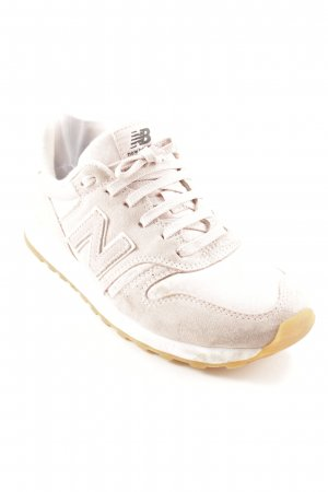 New Balance Lace-Up Sneaker dusky pink athletic style