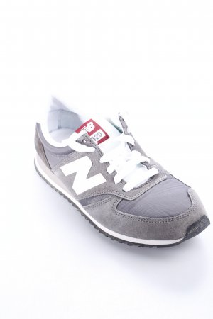New Balance Lace-Up Sneaker grey-white athletic style