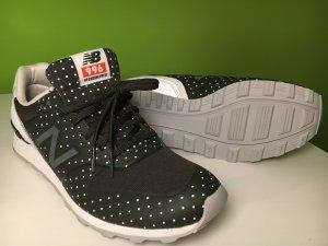 New Balance Schuhe, NEU, schwarz mit Pünktchen