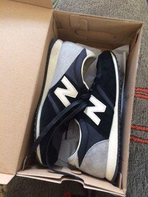 New Balance Sneaker 40 schwarz grau blau nude