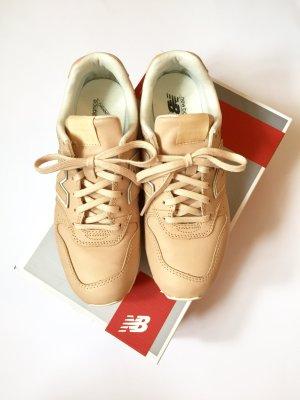 New Balance Sneaker beige