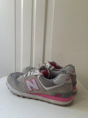 New Balance Sneaker Grau pink