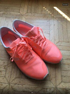 New Balance Sneaker in Neon orange
