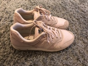 New Balance Sneaker in Rosa
