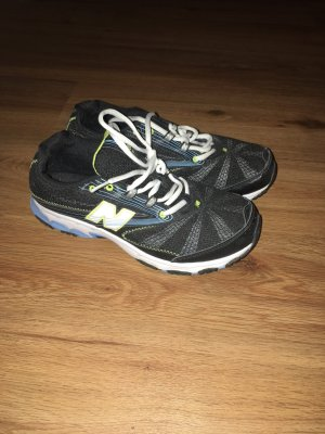 New Balance Trainingsschuhe