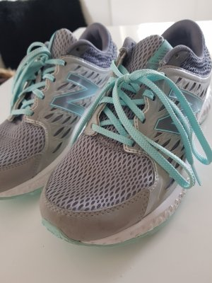 New Balance W420 V3 Sneakers