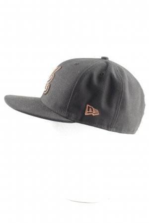 New Era Baseball Cap black-gold-colored embroidered lettering casual look