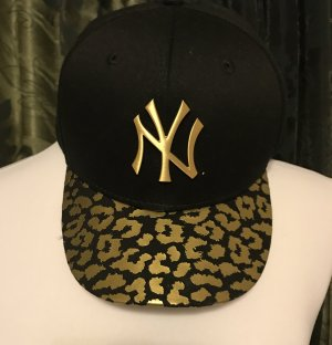 New Era Cap black-gold-colored