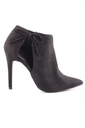 New Look Cut Out Booties black casual look