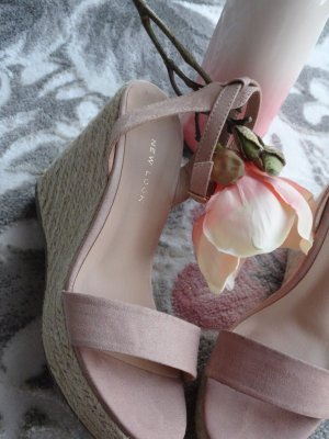 New Look Sandalo alto con plateau rosa pallido