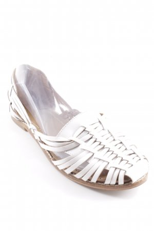 New Look Strapped Sandals white casual look