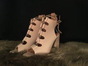New Look  Sandalen mit Ghillie-Schnürung und Blockabsatz