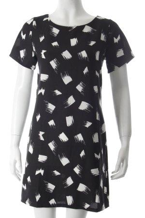 New Look Shirtkleid schwarz-weiß grafisches Muster minimalistischer Stil